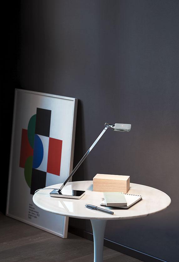 https://cdn.flos.com/wp-content/uploads/2017/10/minikelvin-led-table-citterio-flos-F41800-product-life-02-571x835.jpg